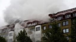 Pri explózii v obytnom dome sa zranilo viac ako 20 ľudí, príčinou mohla byť výbušnina