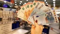 Národná banka zhoršila odhad, ekonomika tento rok podľa nej porastie o 3,5 percenta