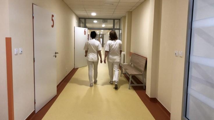 Situácia sa zhoršuje. Levočská nemocnica zavádza triáž ambulantných pacientov