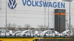 Volkswagen skracuje pracovný čas, dôvodom je nedostatok čipov