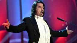 Rezort diplomacie ocenil výkon barytonistu Dalibora Jenisa. Uchvátil publikum v Benátkach