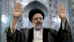 Irán chce bezodkladne dokončiť ťažkovodný reaktor v Aráku