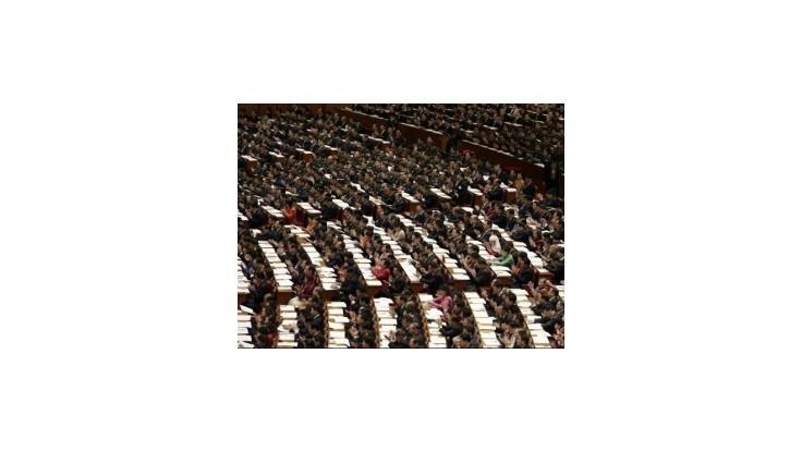 Čínski komunisti volia vedenie, čaká ich generačná výmena