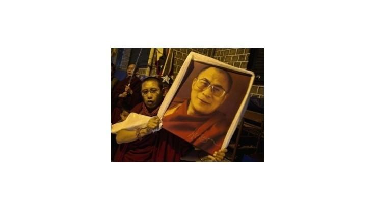 Upálilo sa päť Tibeťanov, žiadali návrat dalajlámu