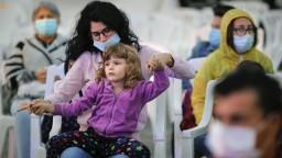 Deti sú zručné v čítaní emócií. Ako ich bezpečne previesť nástrahami pandémie?