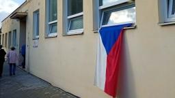 Zamestnanec radnice v Brne omylom uväznil komisiu vo volebnej miestnosti