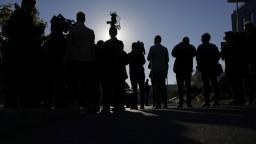 Redaktor TA3 z centrály hnutia ANO: Nálada je pochmúrna, novinári čakajú na Babiša
