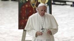 Klimatická zmena si vyžaduje rýchly konsenzus, vyzval pápež poslancov