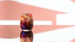 Využite kolové nápoje v domácnosti. Okrem toalety vyčistia aj všeličo iné