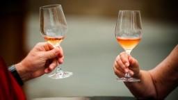 Francúzsko zvýšilo odhad produkcie vína, stále však bude o štvrtinu nižšia než vlani