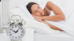 Pravidelný pohyb a dostatok spánku posilňujú imunitný systém, pripomínajú odborníci