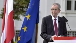 Rakúsko má nového kancelára, Schallenberg zložil prísahu