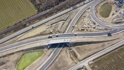 Otvorenie D4 a R7 pomohlo. Dve mestské časti Bratislavy evidujú zlepšenie dopravy