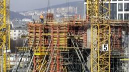 Stavbári sa vrátili do plusu. Za predkrízovými úrovňami však zaostávajú
