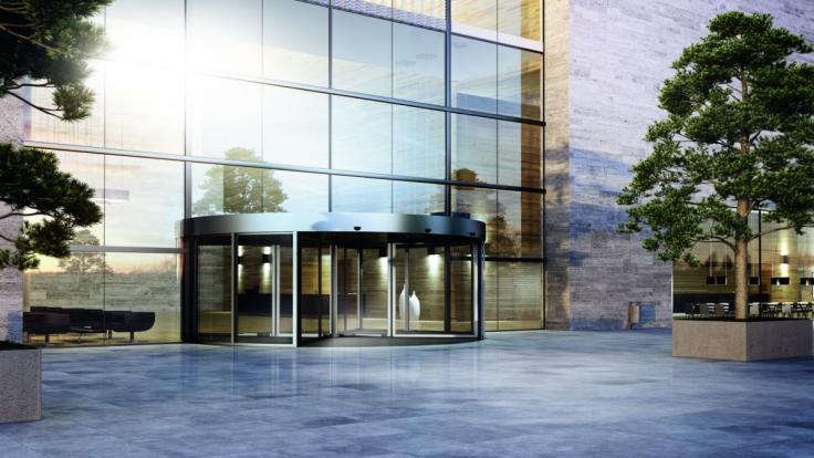 Automatické dvere zlepšujú vzhľad aj zážitok z budovy. Ktoré si zvoliť?