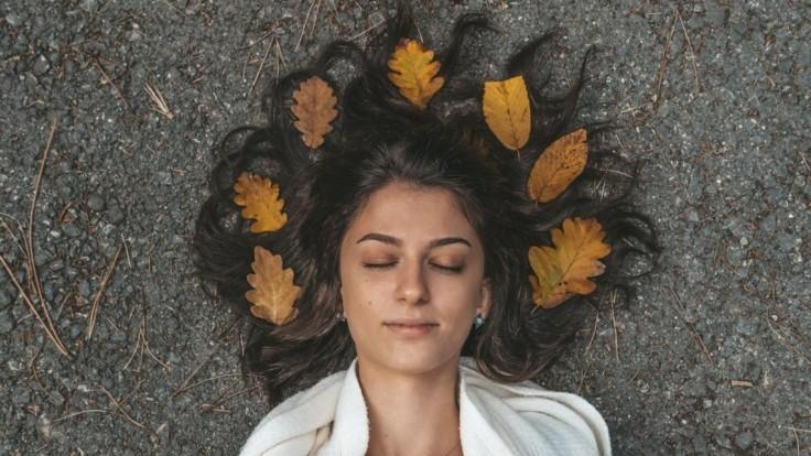 Dosiahnite dokonalý účes. Odstráňte najčastejšie jesenné vlasové problémy