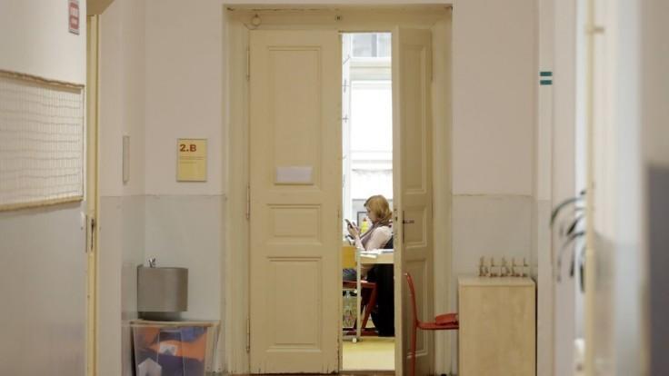 Na Slovensku poskytli ochranu prvému whistleblowerovi. Učiteľka poukázala na nekalé praktiky