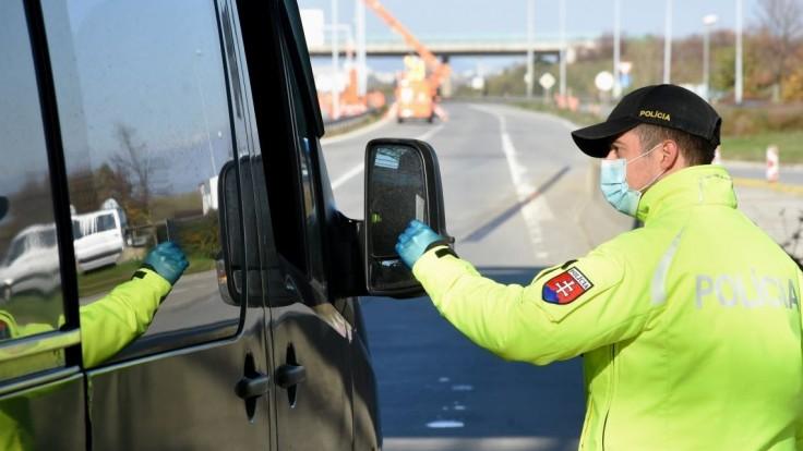 Polícia radí: Čo robiť v prípade, ak počas jazdy zle odbočíte?
