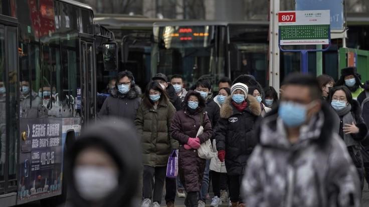 Čína bude hľadať pôvod koronavírusu, otestuje desaťtisíce vzoriek z Wu-chanu