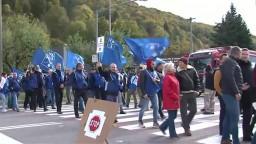 Odborári zablokovali štvorprúdovú cestu. Protestujú aj proti zdražovaniu potravín