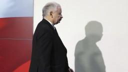 Šéf poľskej vládnej strany Kaczynski odstúpi z postu vicepremiéra