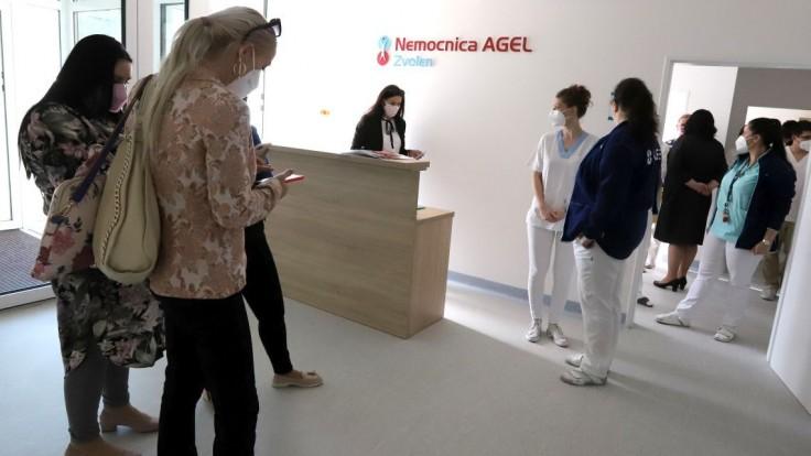 Zvolenská nemocnica má 11 covidových pacientov, zaočkovaný je jeden