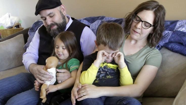 Rodiny s deťmi dostanú v týchto dňoch jednorazový prídavok vo výške 100 eur