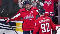 NHL: Ovečkin strelil dva góly a prekonal Dionnea, Washington vstúpil do sezóny s výhrou