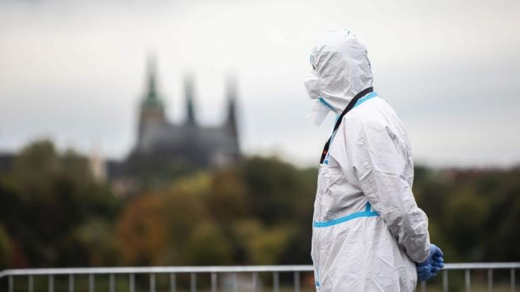 Platnosť niektorých testov by sa v ČR mohla skrátiť na deň. Meniť chcú aj karanténu
