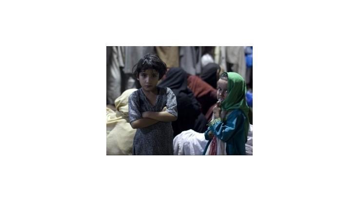 Pakistan si uctil postrelenú Malálu, chce podporovať vzdelávanie žien