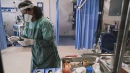 Najvyšší nárast hospitalizovaných pacientov s covidom je na Zemplíne opäť v Humennom