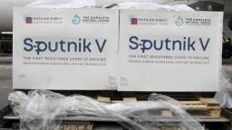 Sú zaočkovaní, no čaká ich karanténa. Česko ruským turistom Sputnik neuzná