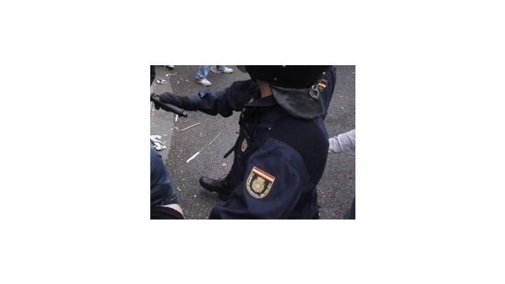 Španielski policajti odmietajú vysťahovať neplatičov hypoték