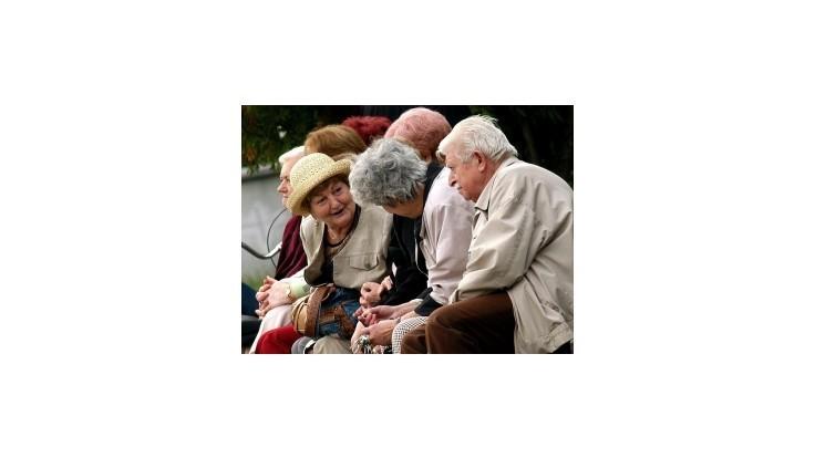 Dôchodcovia dostanú vianočný príspevok, výšku si môžu vypočítať