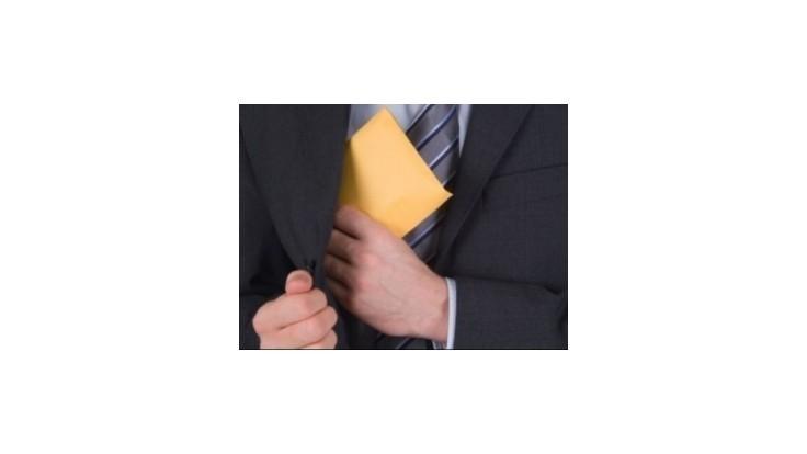 Pracovníčka obvodného úradu údajne prijala 73 úplatkov