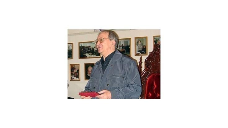 Zomrela legenda sci-fi Boris Strugackij