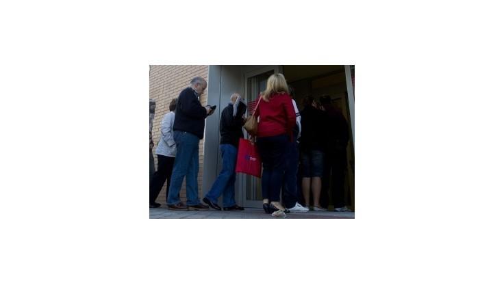 Nezamestnanosť vzrástla na takmer 13,7 percenta