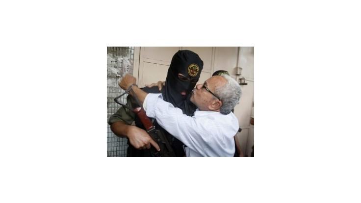 Izrael zostáva ostražitý, Palestínčania prímerie oslavujú