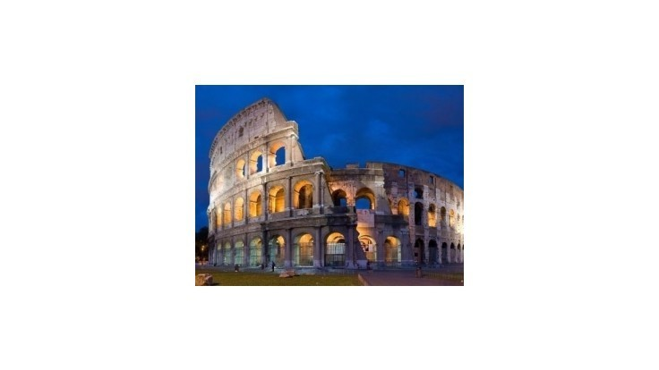Muž prezlečený za rímskeho stotníka poškodil Berniniho balustrádu
