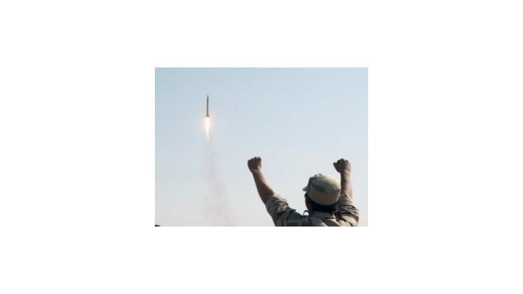 Vodca hnutia Hizballáh chce v prípade vojny odpaľovať rakety na Izrael
