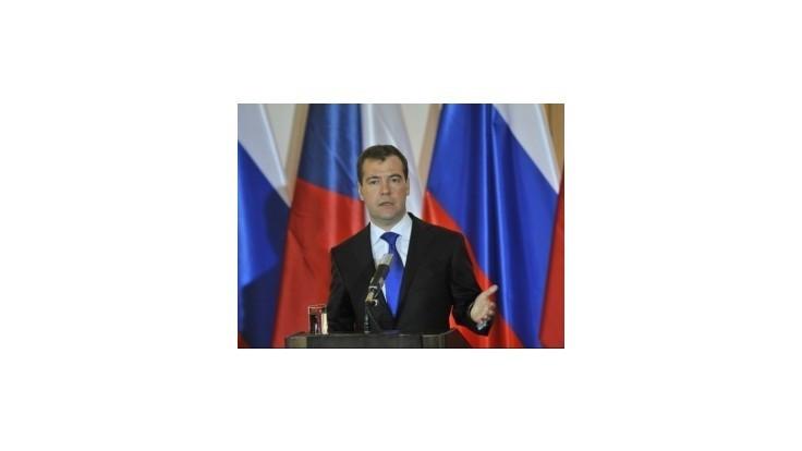 Medvedev nevylúčil návrat do Kremľa