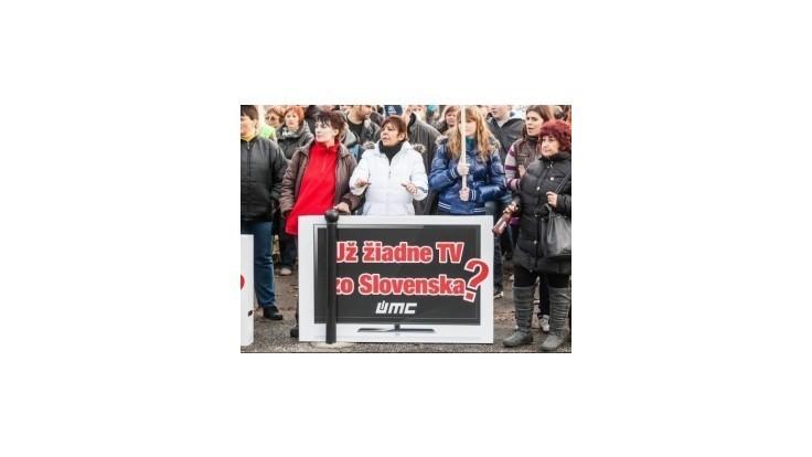 Zamestnanci UMC protestovali pred Úradom vlády proti stimulom