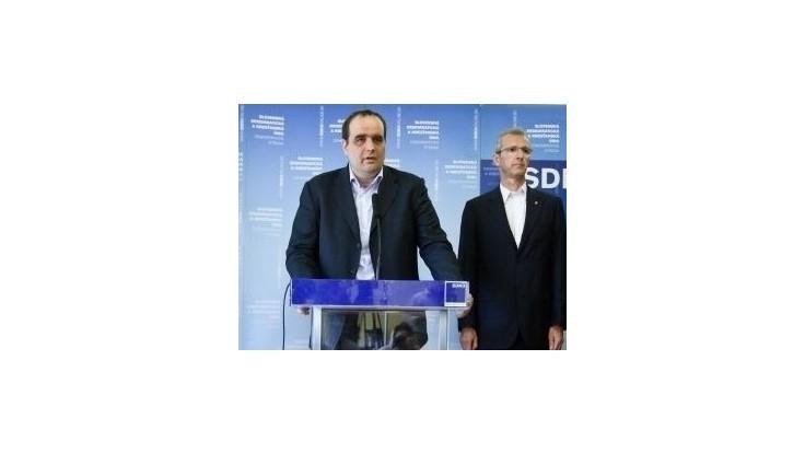 SDKÚ vyzýva vládu, aby zastavila rušenie rovnej dane