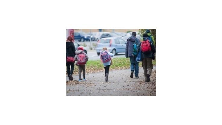 Rodičia bránia učiteľov listom pre vládu