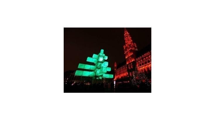 Bruselčania sú pobúrení avantgardnou náhradou za stromček