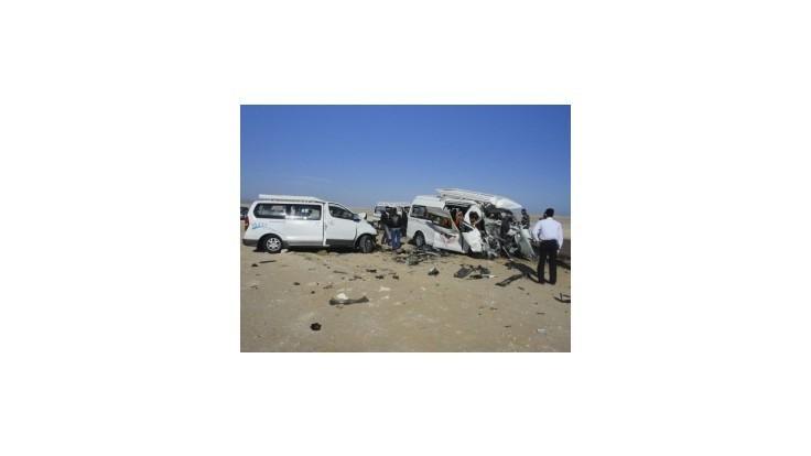 Piati nemeckí turisti zahynuli pri zrážke autobusov  v Egypte