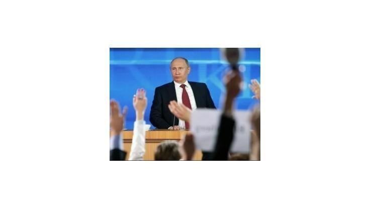 Putin čelil novinárom, zhodnotil vzťahy s USA i apokalypsu