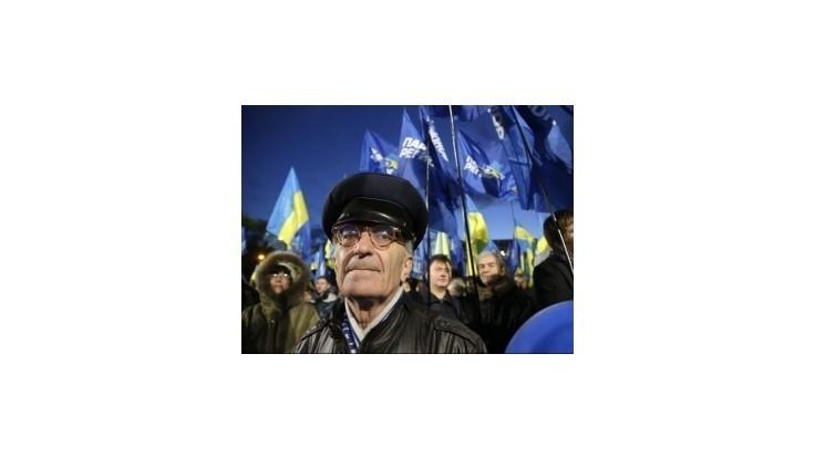Takmer polovica Ukrajincov chce štát s Ruskom a Bieloruskom
