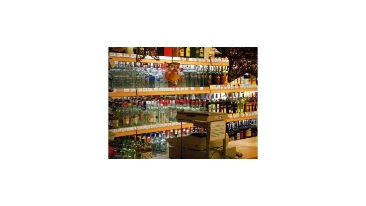 Ruská vláda bojuje s alkoholizmom, zdražuje vodku