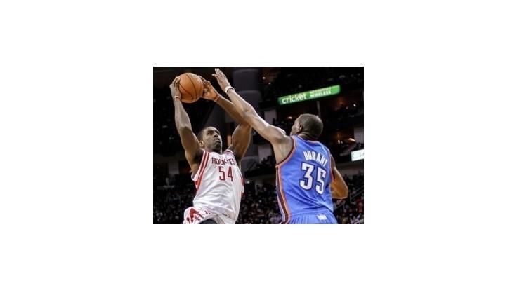 Basketbalisti Oklahomy deklasovali Houston jeho zbraňou